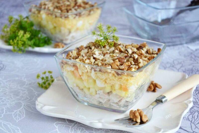 Салаты с куриной грудкой — 8 простых и вкусных рецептов